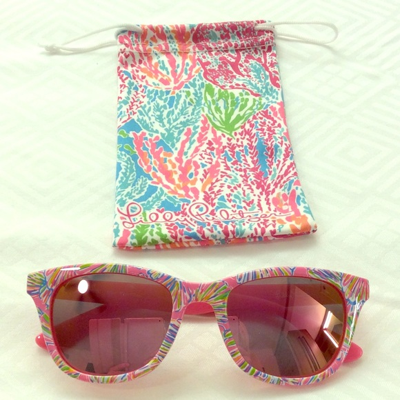 bf423f2a2e Lilly Pulitzer Accessories - Lilly Pulitzer Maddie Polarized Sunglasses